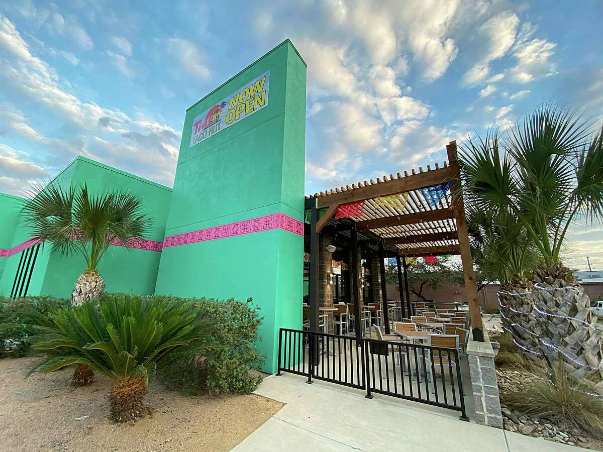 Tia's Taco Hut on Chase Hill Boulevard is the fourth location of the locally owned Mexican restaurant chain.