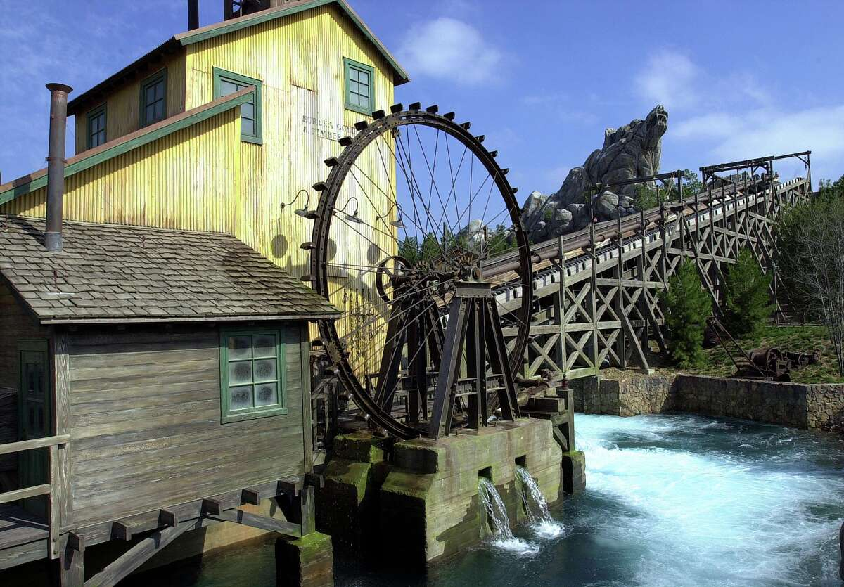 The Grizzly River Run water ride attraction at Disney's California Adventure on its opening in 2001.