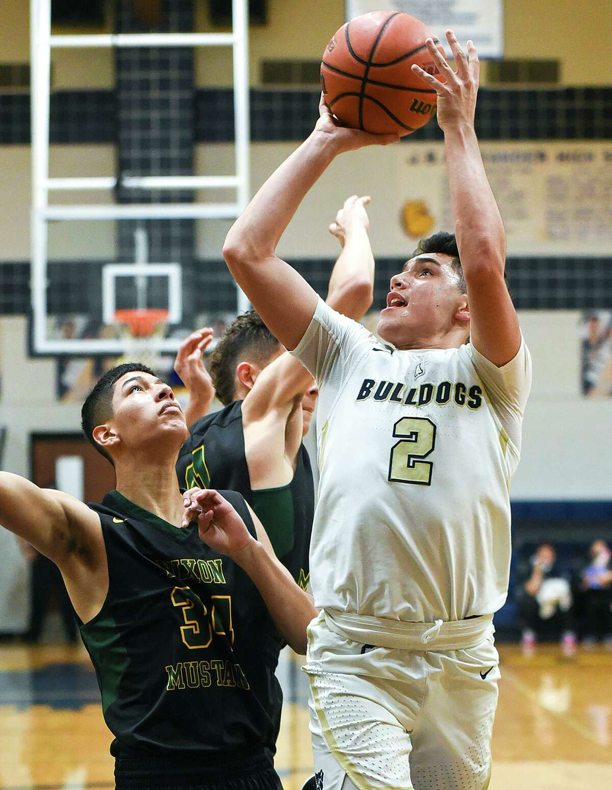 Bobby Torres scored a team-high 15 points Wednesday as Alexander improved to 3-0 with a 64-47 win at Edinburg North.