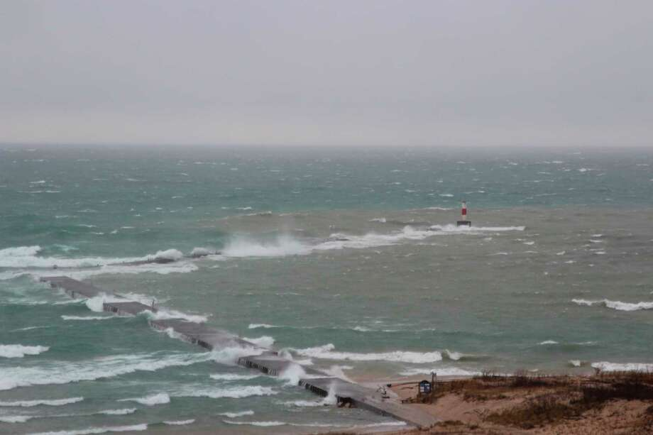 The Army Corps of Engineers is advising people to take caution in the water and on pier structures during the winter storm season. (File Photo)