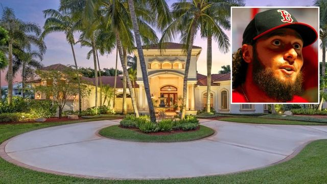 Retired Baseball Star Jarrod Saltalamacchia Selling His $3.3M Florida Home thumbnail