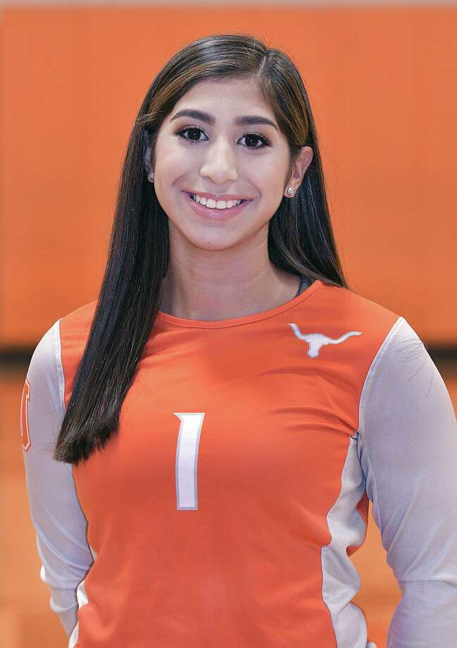 Anakaren Chavez will make her second start at setter for the Lady Longhorns Saturday as they look to continue on their playoff run. Photo: Cuate Santos /Laredo Morning Times / Laredo Morning Times