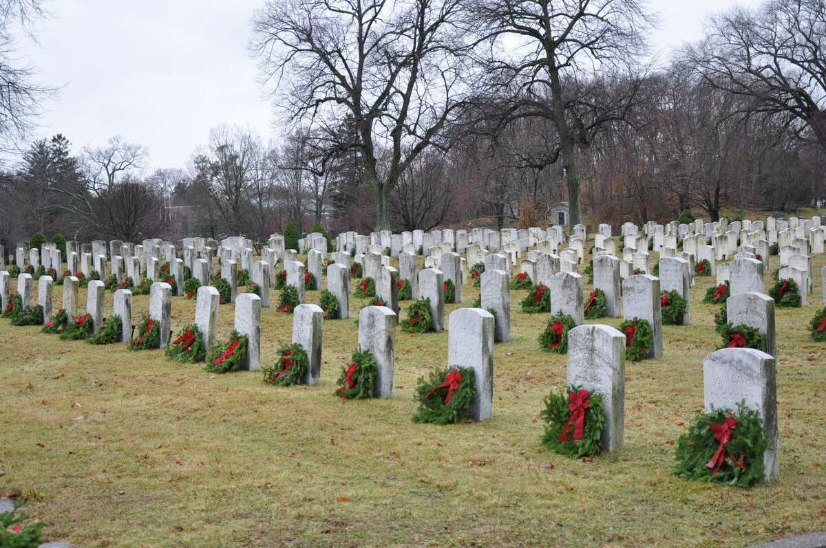 Darien's Wreaths Across America Ceremony honoring veterans will be held at noon on Saturday, December 19, 2020, in Spring Grove Veterans Cemetery on Hecker Avenue. (Barring any additional State Veterans Affairs or CT governmental restrictions, and following the Governor's guidelines.)