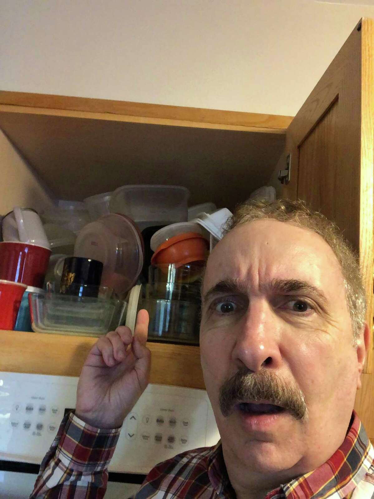 Jerry Zezima finds himself struggling with an incredible amount of Tupperware containers and plans to share his food storage insights...once he finds the lid.