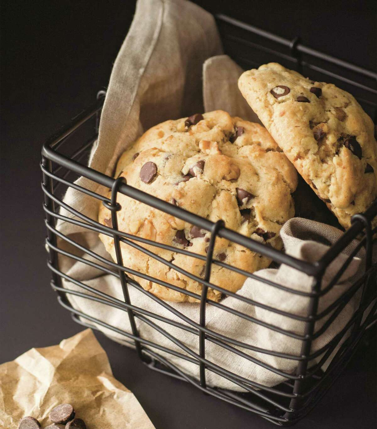 New York City Giant Chocolate Chip Walnut Cookies (recipe in column): These cookies replicate those made at a famous bakery in NYC.