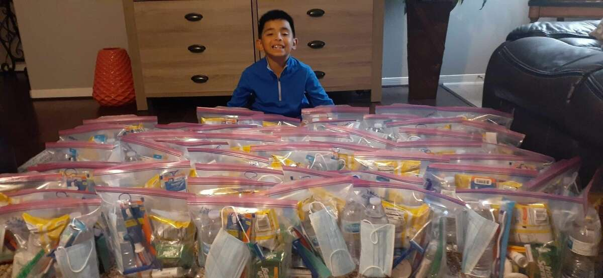 On Thanksgiving, Dylan Virtudazo gave 50 bags filled with snacks, combs and other hygiene products to homeless Houstonians.