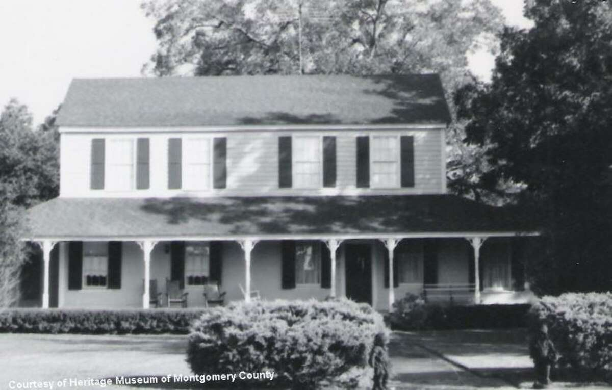 """Richard S. Willis also engaged John Shelton in 1854 to build his one and one-half story home in Montgomery. He called it """"Melrose,"""" named after his family's ancestral home in Scotland. The home has since had several owners and is now the popular """"Hodge Podge Lodge,"""" a restaurant with bed and breakfast lodging."""