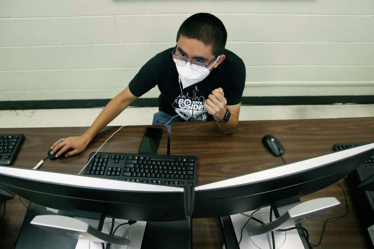 Senior Joshua Gutierrez competes in the CyberPatriot cyber defense competition while in class Nov. 13 at Northside School of Innovation, Technology and Entrepreneurship.