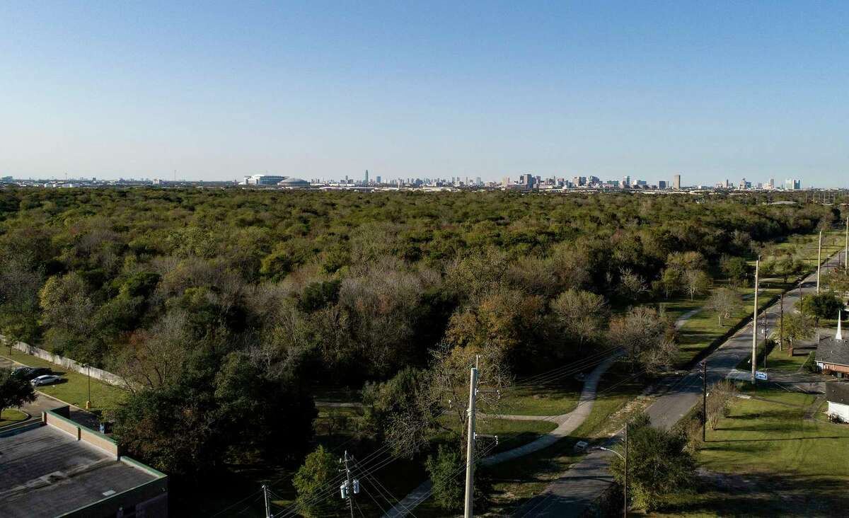 The location of a planned solar farm in the Sunnyside neighborhood of Houston on Wednesday, Nov. 25, 2020. The 240 acres, owned by the City of Houston is a former landfill.