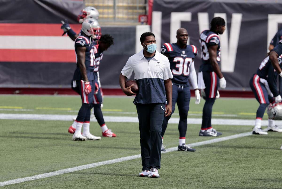 FOXBOROUGH, MA - SEPTEMBER 27: New England Patriots inside linebackers coach Jerod Mayo before a game between the New England Patriots and the Las Vegas Raiders on September 27, 2020, at Gillette Stadium in Foxborough, Massachusetts. (Photo by Fred Kfoury III/Icon Sportswire via Getty Images)