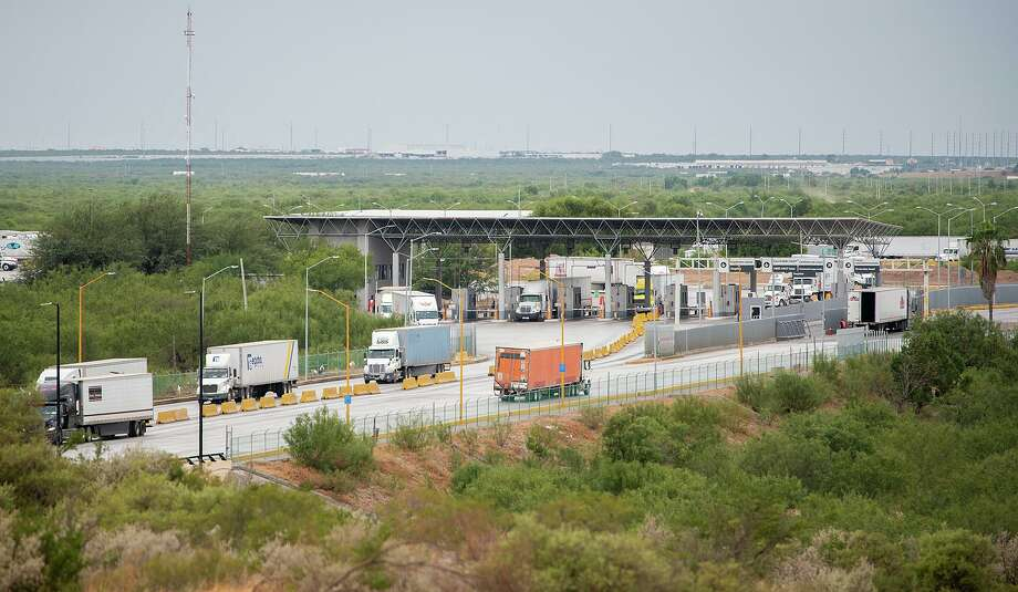 Bidding for the construction of the FAST lane project at the World Trade Bridge opens Dec. 10. Photo: Danny Zaragoza /Laredo Morning Times File