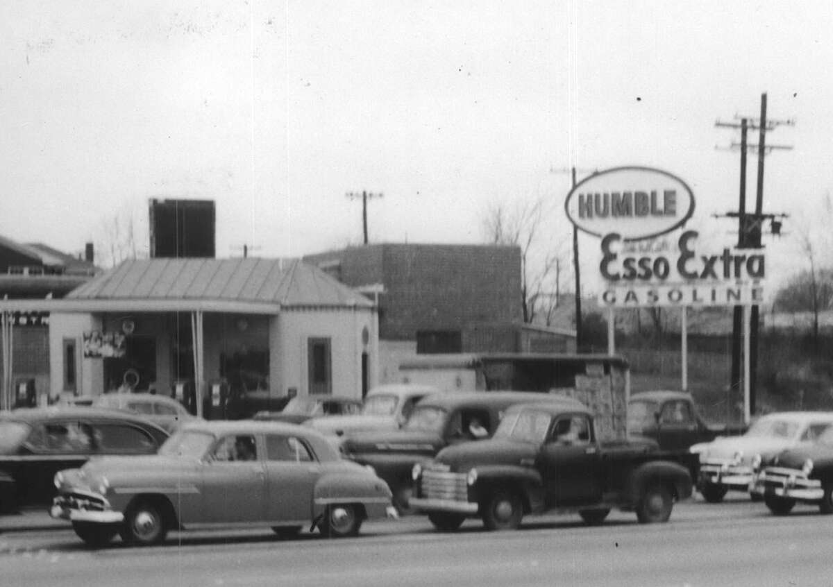 Humble service station along Buffalo Drive, now Allen Parkway, near Waugh in 1953.