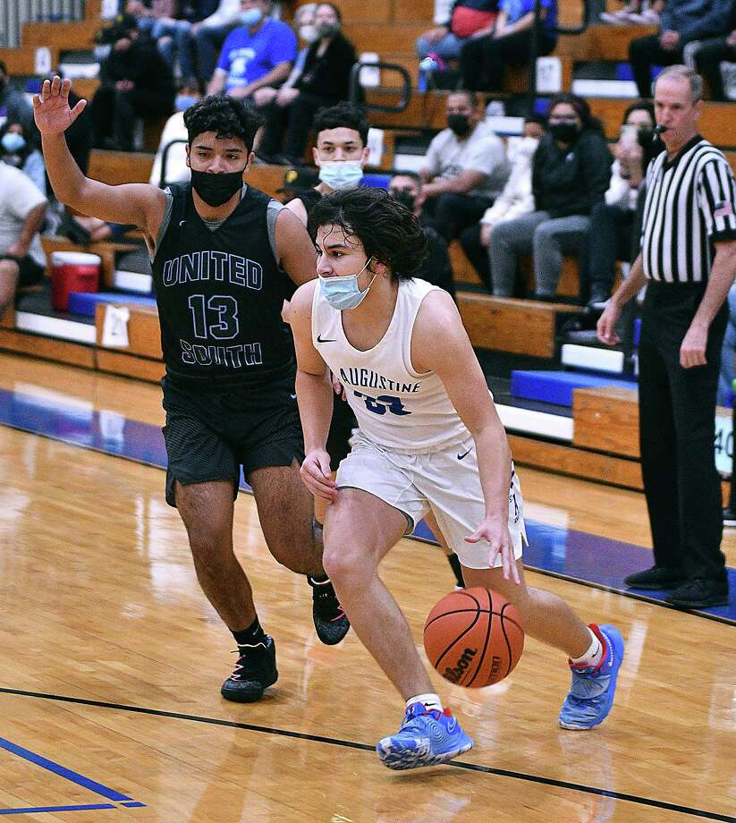 Estevan Barrientos and the St. Augustine Knights defeated the United South Panthers on Saturday. Photo: Cuate Santos /Laredo Morning Times / Laredo Morning Times
