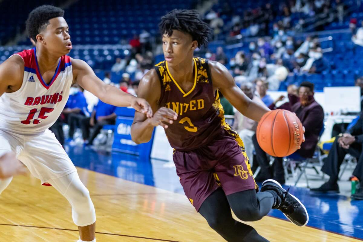 The Beaumont United Timberwolves squared off against their crosstown rivals the West Brook Bruins in a basketball game that was played hard from beginning to end Saturday afternoon at Ford Arena. Photo made on November 28, 2020. Fran Ruchalski/The Enterprise