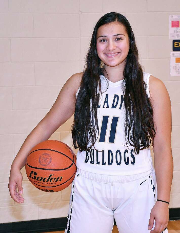 Kayla Herrera hopes to lead Alexander to a district championship this year. Photo: Cuate Santos /Laredo Morning Times / Laredo Morning Times