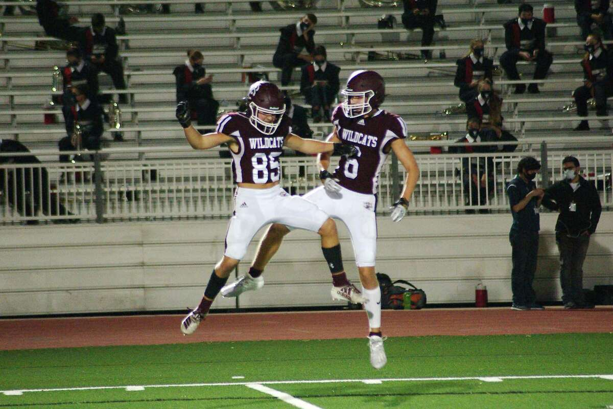 Clear Creek takes on Dickinson Thursday night in an important District 24-6A game at 6 p.m., in Dickinson.