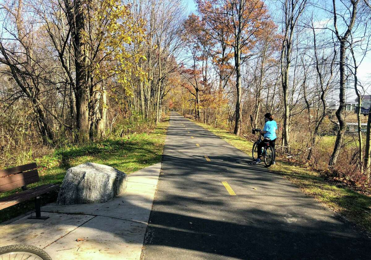The flat and scenic Norwottuck Branch of the Mass Central Rail Trail in Massachusetts from Northampton to Hadley and Amherst.