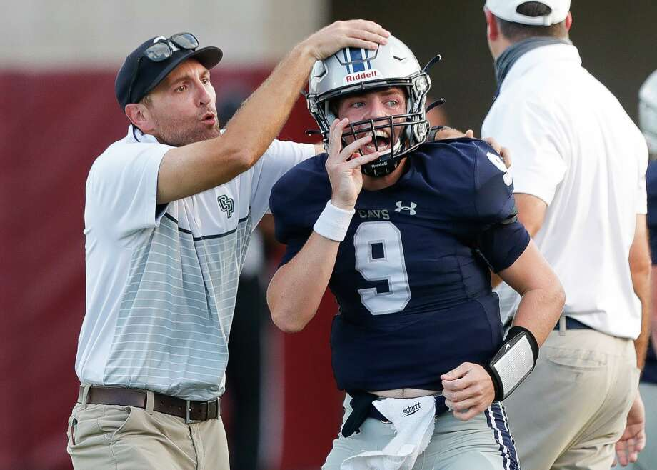 College Park quarterback Hank Hudson threw for 323 yards and three touchdowns against The Woodlands on Friday. Photo: Jason Fochtman, Houston Chronicle / Staff Photographer / 2020 © Houston Chronicle