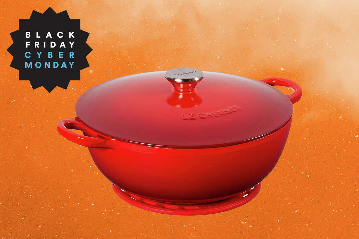 Le Creuset 4.5qt Chef's Oven with silicone trivet for $179 on Amazon
