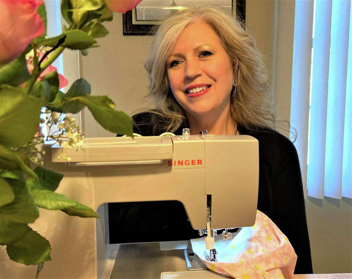 Regina Salafia, a Middletown dental hygienist, is indulging her creative side by creating tiny red Elf on a Shelf face masks. When these dolls first arrive at a home, just like humans are doing during the pandemic, they must quarantine for a two-week period.