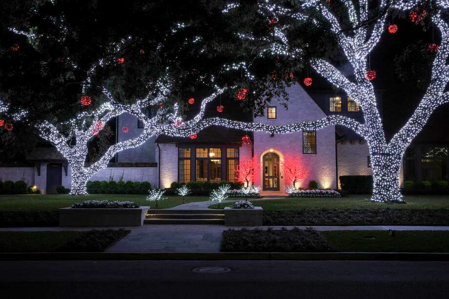 These are Houston's best neighborhoods for holiday lights