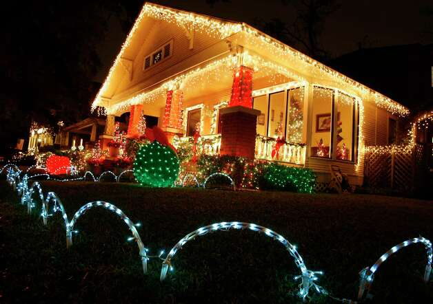 Houston's best neighborhoods for holiday lights