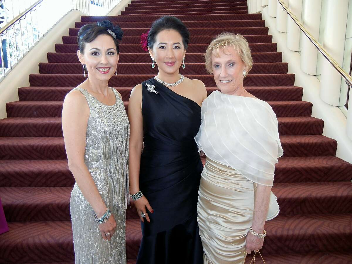 SF Symphony opening-night gala chairwoman Goretti Lo Lui (center) with President Sako Fisher (left) with and former symphony president Nancy Bechtle. Sept 2013.