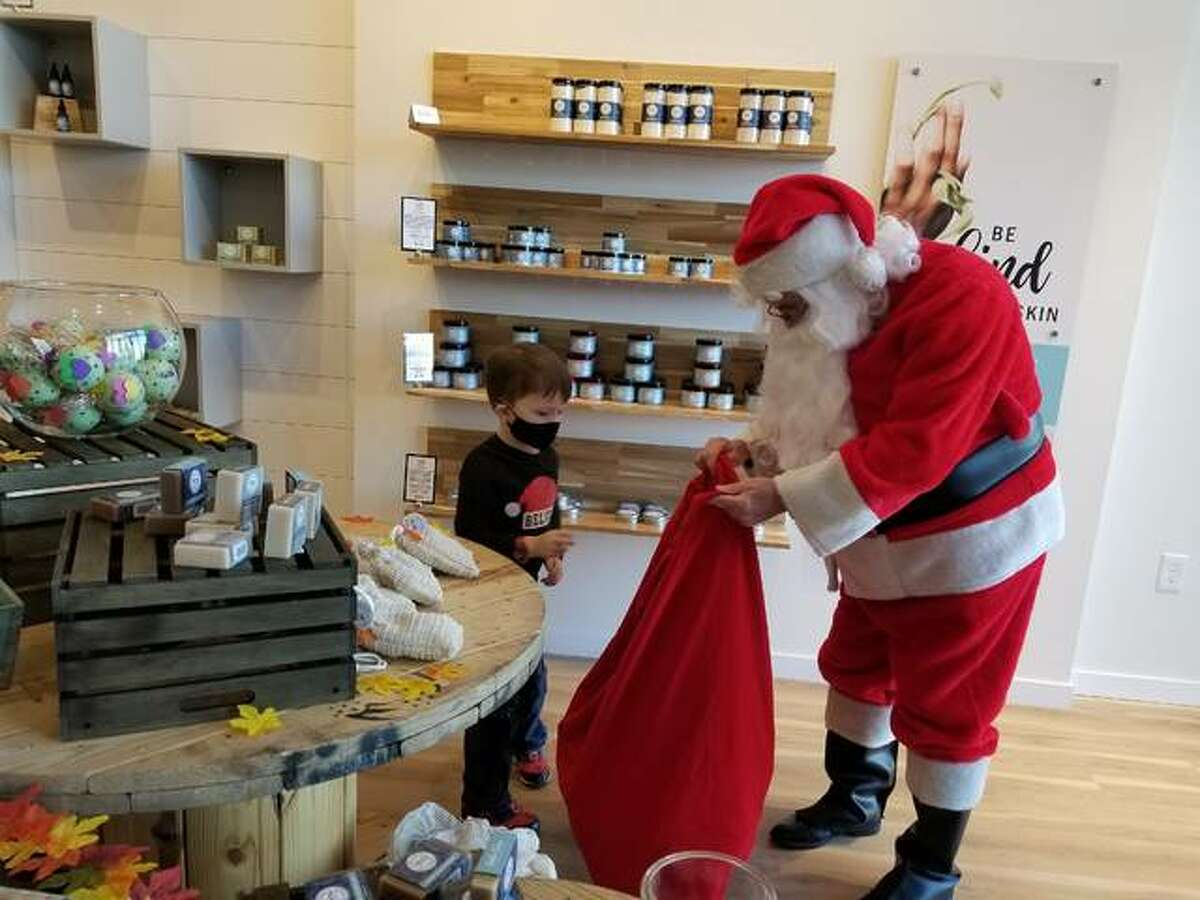 Santa at Mississippi Mud Pottery in Alton