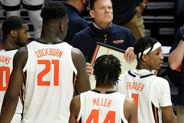 Illinois coach Brad Underwood takes a critical timeout late in the second half of Friday's two-point win over Ohio in Champaign. The No. 5-ranked Illini play No. 2 Baylor on Wednesday night in Indianapolis.