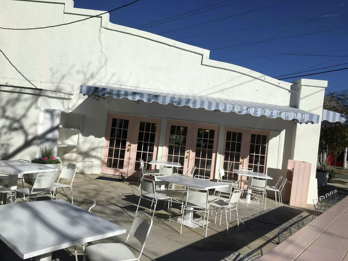 Little Em's Oyster Bar is a new restaurant located in King William at the corner of South Alamo and Beauregard streets.