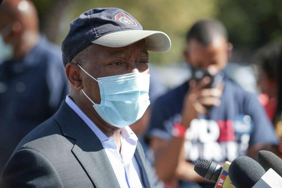 Mayor Sylvester Turner speaks at a press conference in November, 2020.