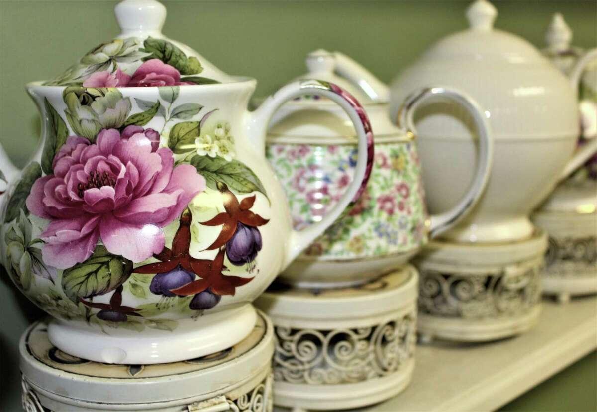 Tea Roses Tea Room - Cromwell Closing in December