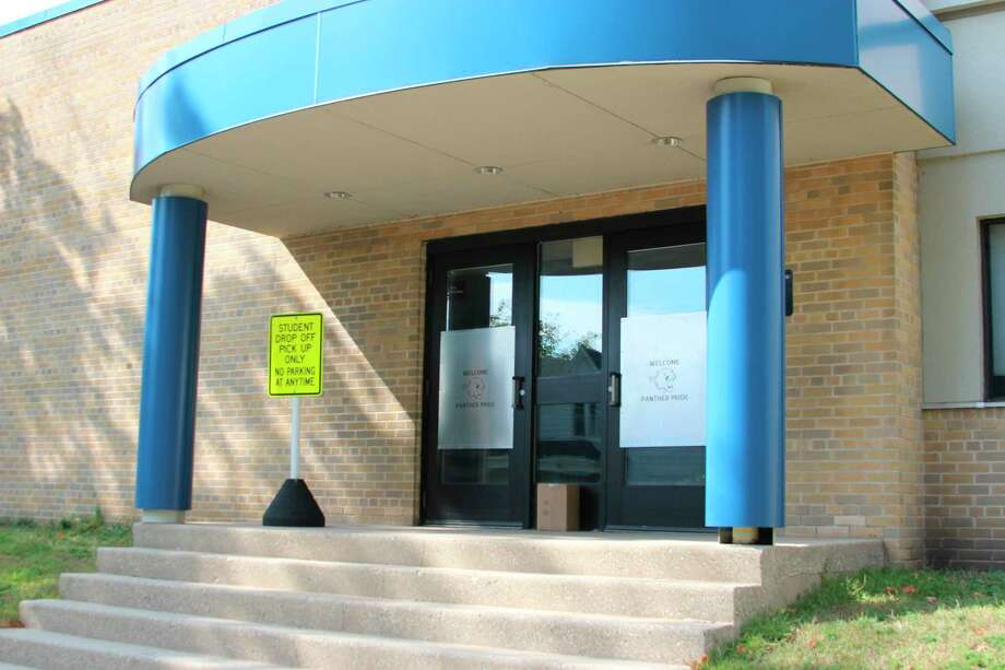 School officials delayed the re-opening of Frankfort Elementary School due to an increase of COVID-19 community spread and to align with the expected return of high school students. (File photo)