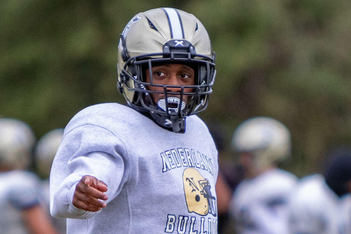 Bulldogs Josh Mazyck checks off during practice Wednesday morning. On Friday, the Nederland Bulldogs will travel to Crosby to take on the Cougars in the final week of the regular season and complete a turnaround of their season. Photo made on December 2, 2020. Fran Ruchalski/The Enterprise