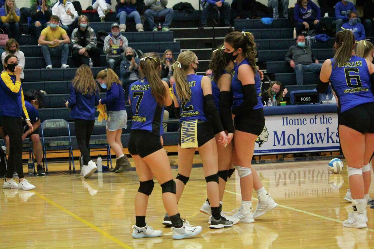 Coach Robin Kozuch (far left) and her Morley Stanwood volleyball players hope to have another huge season in 2021. (Pioneer photo/John Raffel)