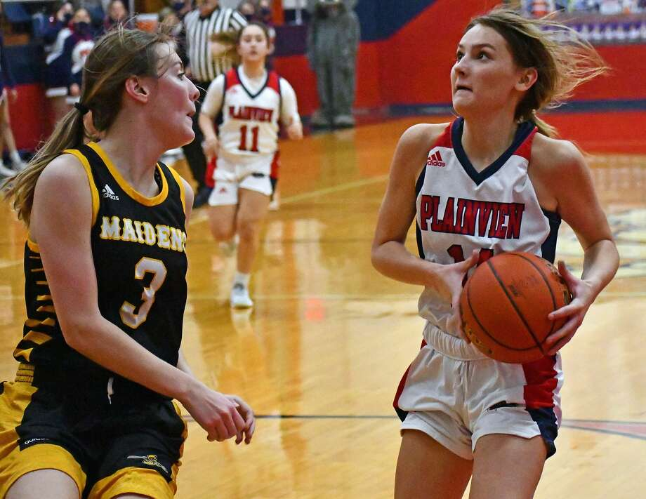 Katy Long is averaging a team-best 16.2 point per game in leading the Plainview Lady Bulldogs to a 6-3 record through the first month of the season. Photo: Nathan Giese/Planview Herald