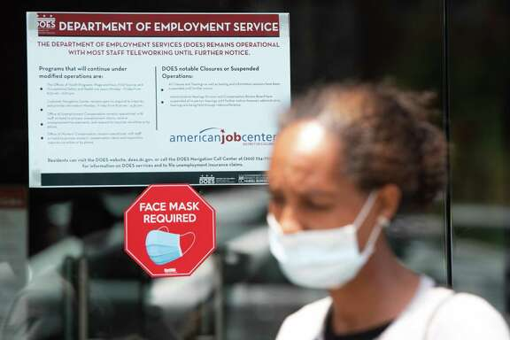 First time claims for unemployment benefits fell nationally and in Texas last week.