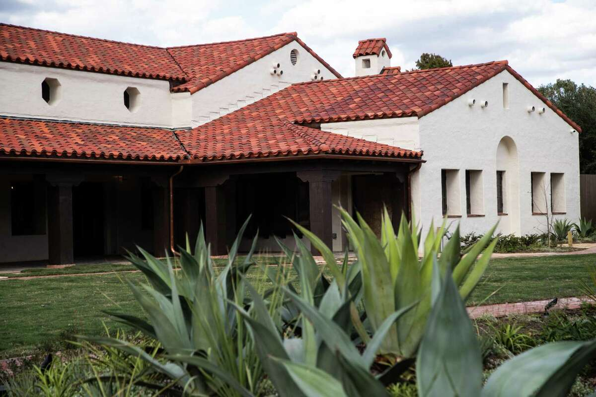Curtis & Windham Architects has renovated the historic building, which is on the national register, for the Hermann Park Conservancy.