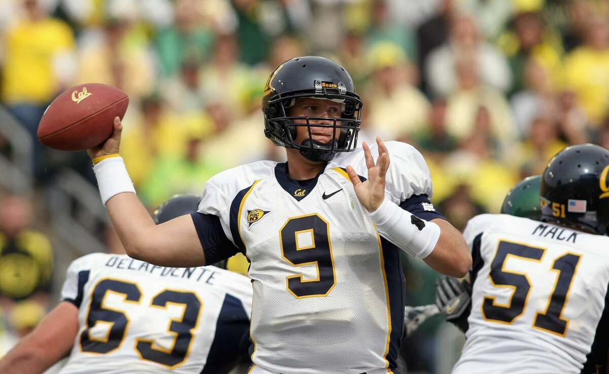 Quarterback Nate Longshore of the California Golden Bears looks to pass the ball during the game against the Oregon Ducks on Sept. 29, 2007, in Eugene, Ore.