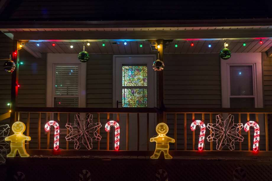 Auburn residents celebrate the holiday season with colorful light displays Thursday, Dec. 3, 2020. (Katy Kildee/kkildee@mdn.net) Photo: (Katy Kildee/kkildee@mdn.net)