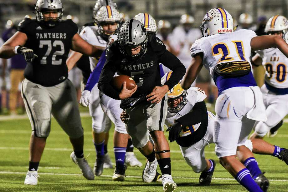 Freddy Villarreal and the United South Panthers clinched a playoff spot Thursday as they defeated LBJ 52-0. Photo: Danny Zaragoza /Laredo Morning Times