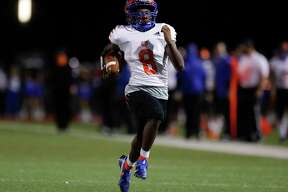 Grand Oaks running back Micah Cooper (8) runs untouched for a 79-yard touchdown during the second quarter of a non-district high school football game at Klein Memorial Staidum, Thursday, Oct. 1, 2020, in Spring.