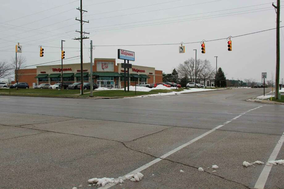 The intersection of N. Van Dyke Road and Buschlen Road, where a car crashoccurred Thursday afternoon. (Robert Creenan/Huron Daily Tribune)