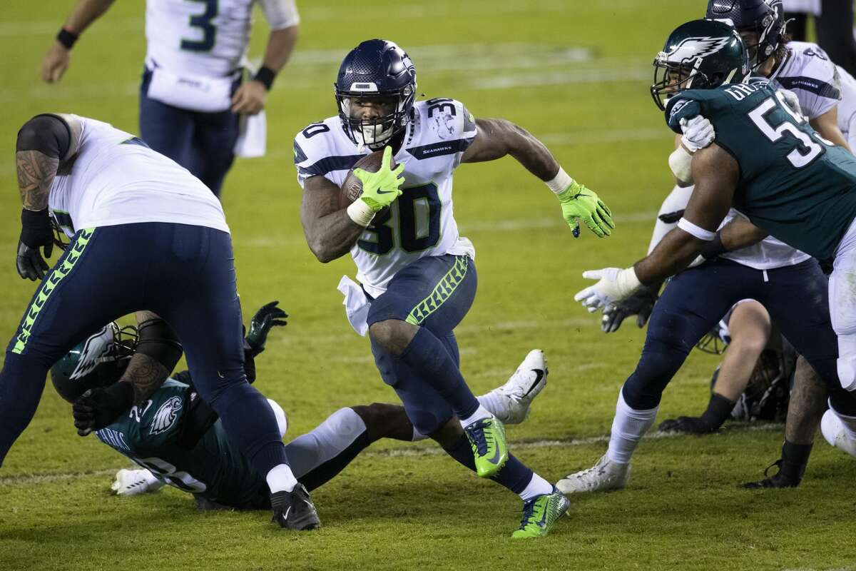 PHILADELPHIA, PA - NOVEMBER 30: Carlos Hyde #30 of the Seattle Seahawks runs the ball against the Philadelphia Eagles at Lincoln Financial Field on November 30, 2020 in Philadelphia, Pennsylvania. (Photo by Mitchell Leff/Getty Images)