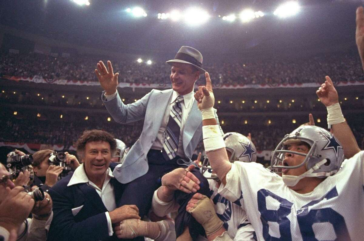 Dallas Cowboys' head coach Tom Landry is given a victory ride on the shoulders of his players after the Cowboys defeated the Broncos 27-10 in Super Bowl XII at the New Orleans, Louisiana Super Dome, January 15, 1978.