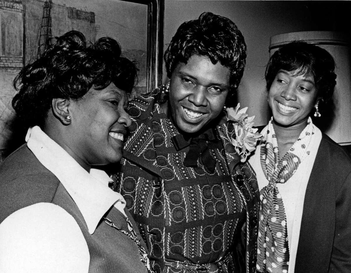 Barbara Jordan with her sisters in 1974: Mrs. Bennie Creswell, left, and Mrs. Rose Mary McGowan, at the Rice Hotel