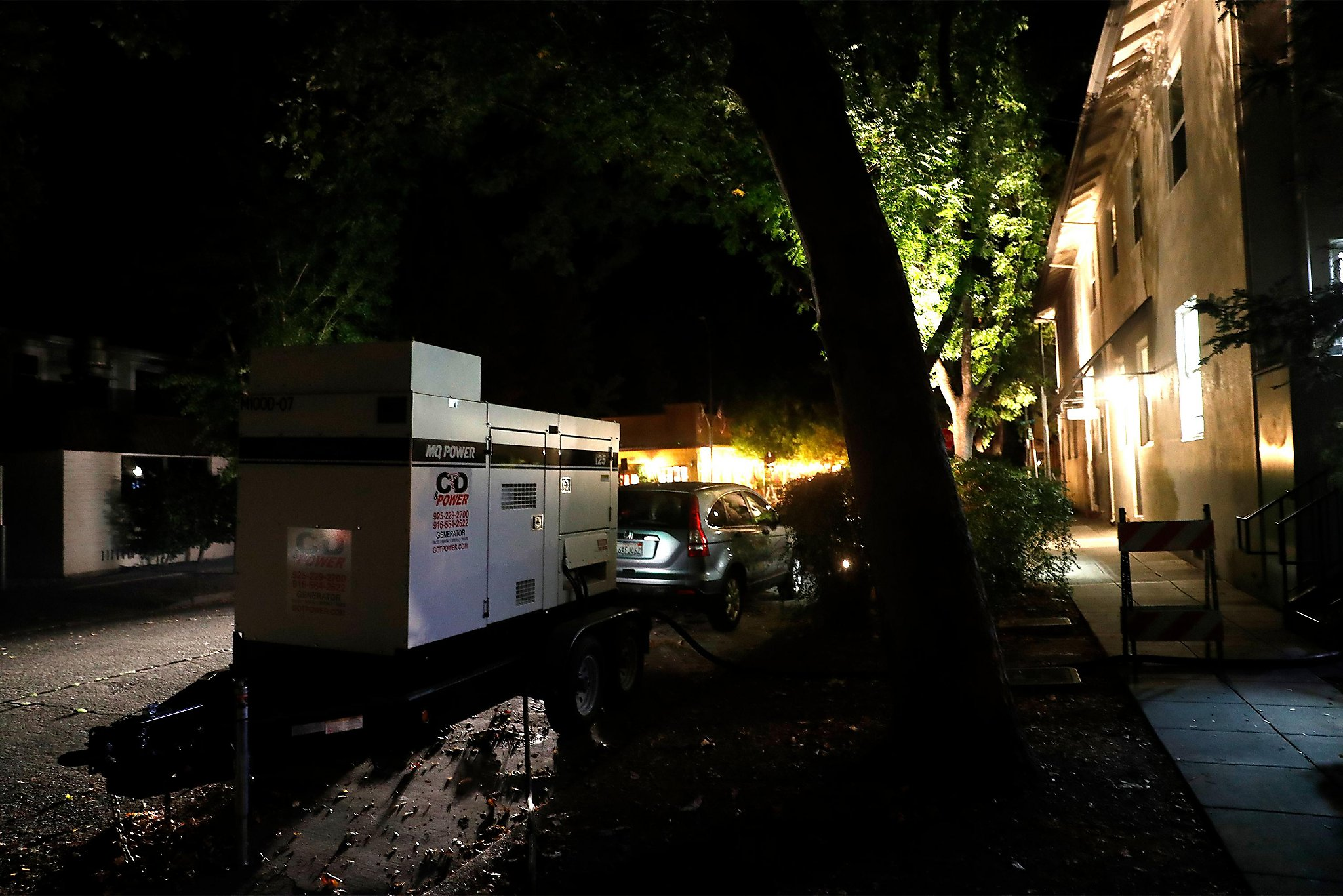 PG&E warns of possible power shut-offs in 15 counties Monday