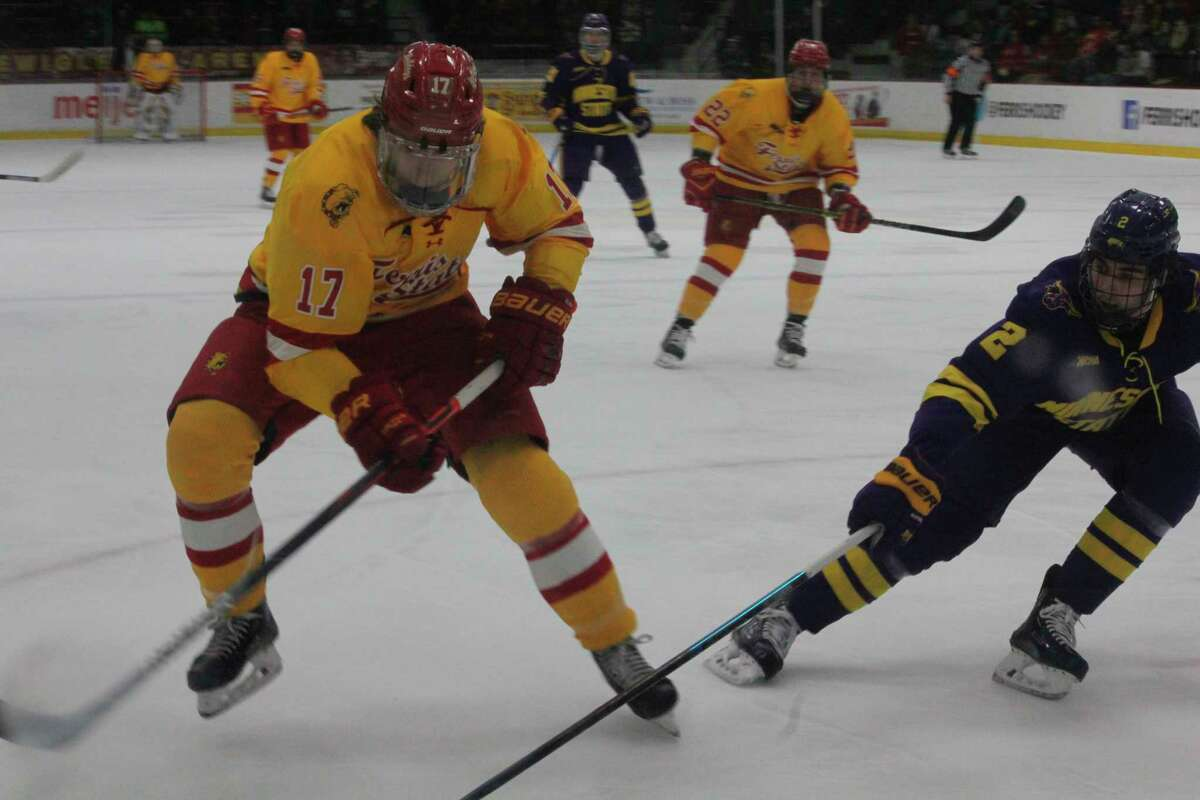 Marshall Moise (17) hopes to stay healthy and have a huge scoring season for Ferris. (Pioneer file photo)