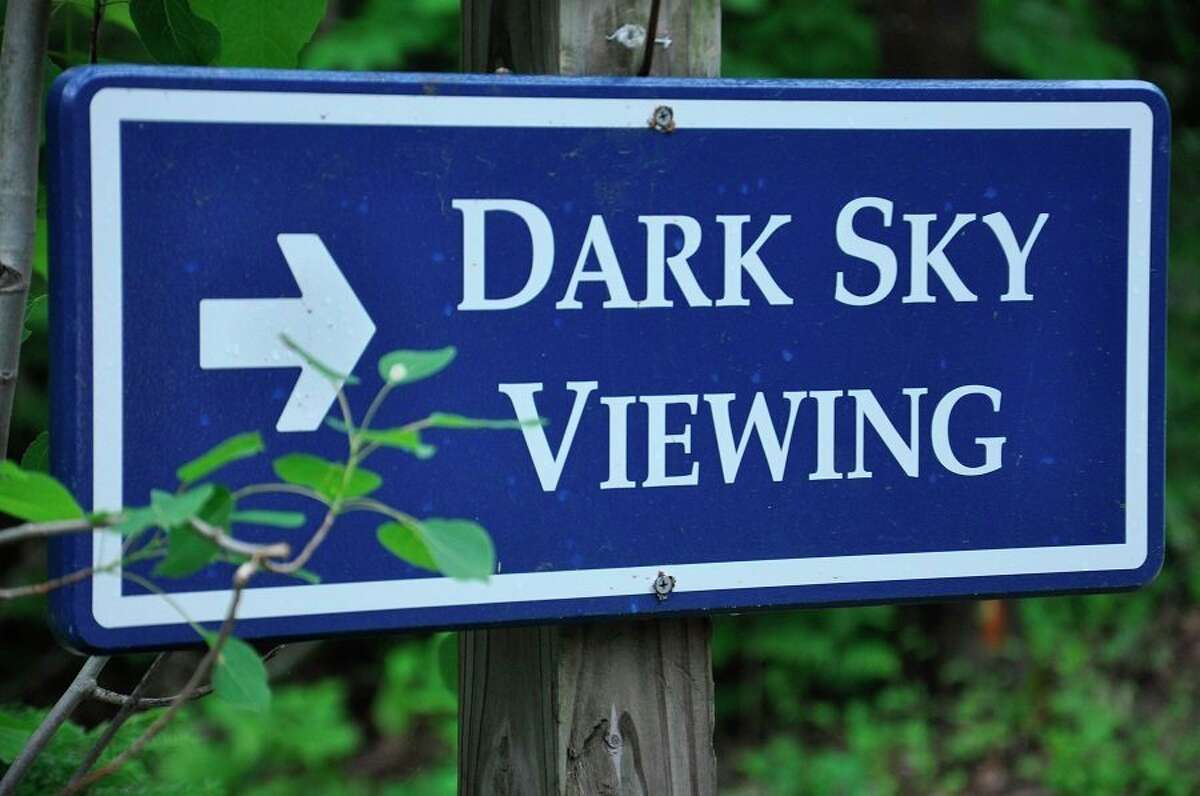 A Headlands sign directs visitors to the park's dark sky viewing spots. (Courtesy photo/Headlands International Dark Sky Park)