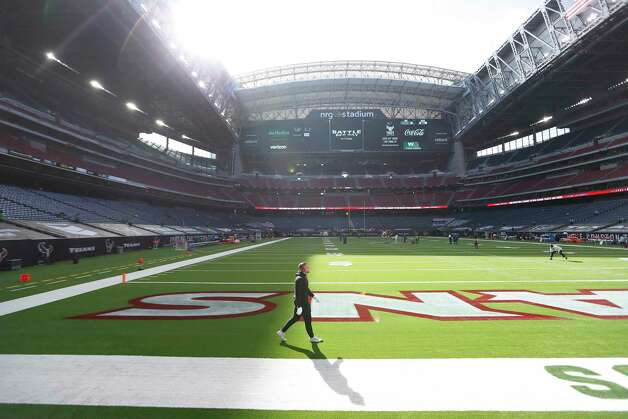 Houston Texans defensive end J.J. Watt warms up with the roof open before the start of an NFL football game at NRG Stadium, Sunday, December 6, 2020, in Houston. Photo: Karen Warren, Staff Photographer / © 2020 Houston Chronicle